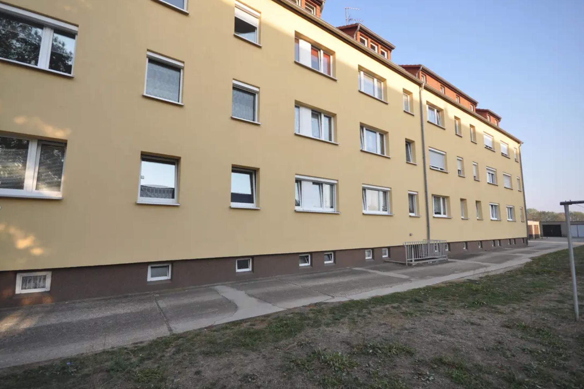 Außenansicht 1, 3-Raum-Wohnung in Zwochau, Immobilienmaklerin Sylvia Bremer